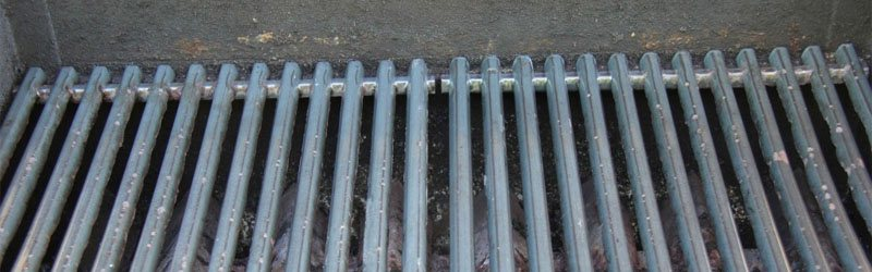 How to Clean Grill Grates ( All Types ! )  Exchange Bar
