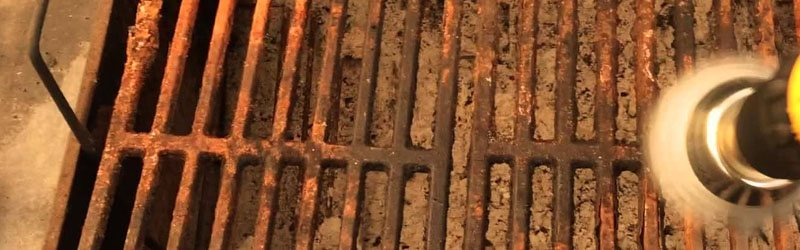 clean rusty grill grates